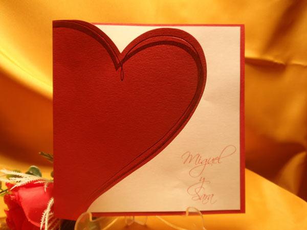 Invitación corazón rojo para boda