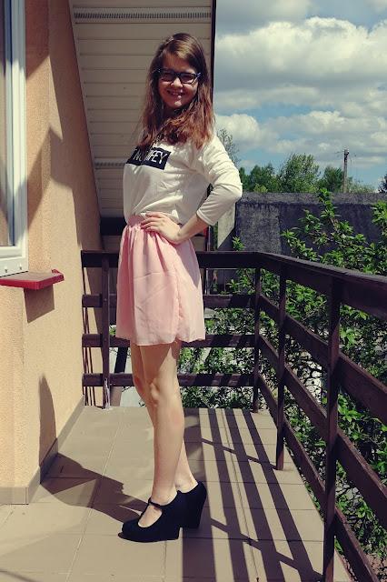 OOTD: Pastelowa spódniczka+ biała bluza :*