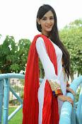 Kanika Kapoor latest photos-thumbnail-3