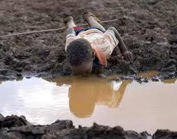 Foto-foto Orang Kelaparan dan Orang Yang Lagi Makan Enak (Ada SBY dan ...