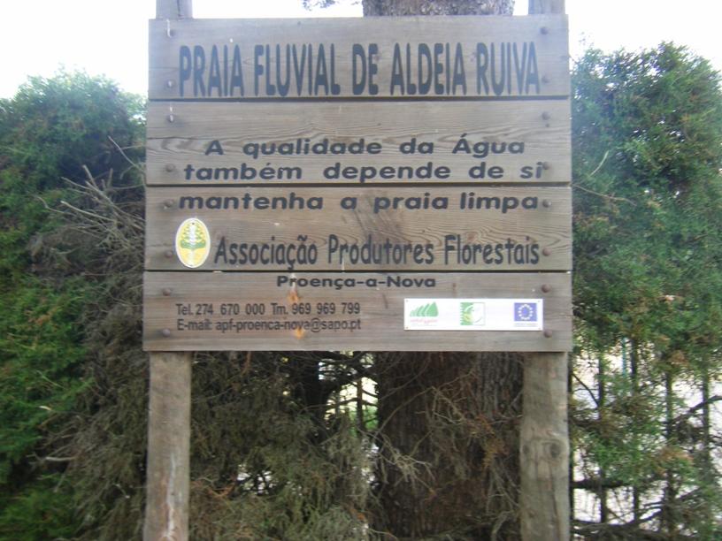 Sinalização de Madeira da Praia Fluvial de Aldeia Ruiva