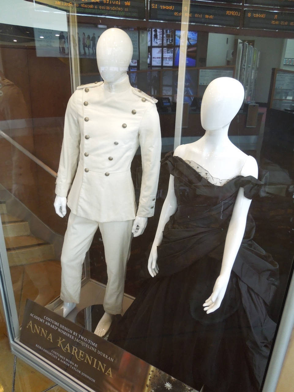 Hollywood Movie Costumes and Props: Original film costumes ...