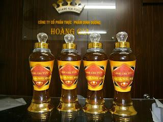 Rượu nấm Linh Chi để giảm bớt tác hại của bia rượu và giải độc cho gan vì  trong thành phần của Linh Chi có nhóm sterois nên rất tốt cho gan.