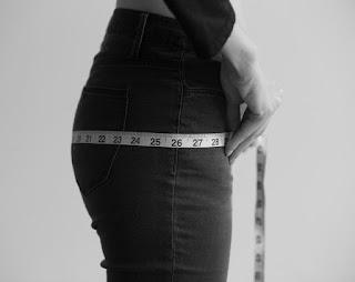 cara mengukur lingkar pinggul