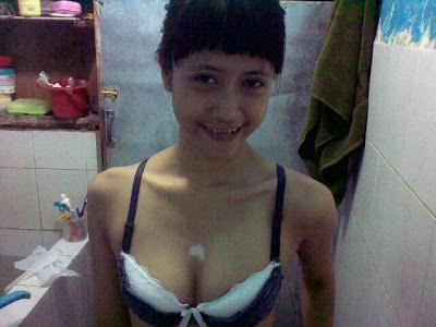 ... Sikecil tuh memek indah dan pepek indah itu sama saja wanita telanjang