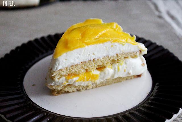 mango cake with mascarpone cream