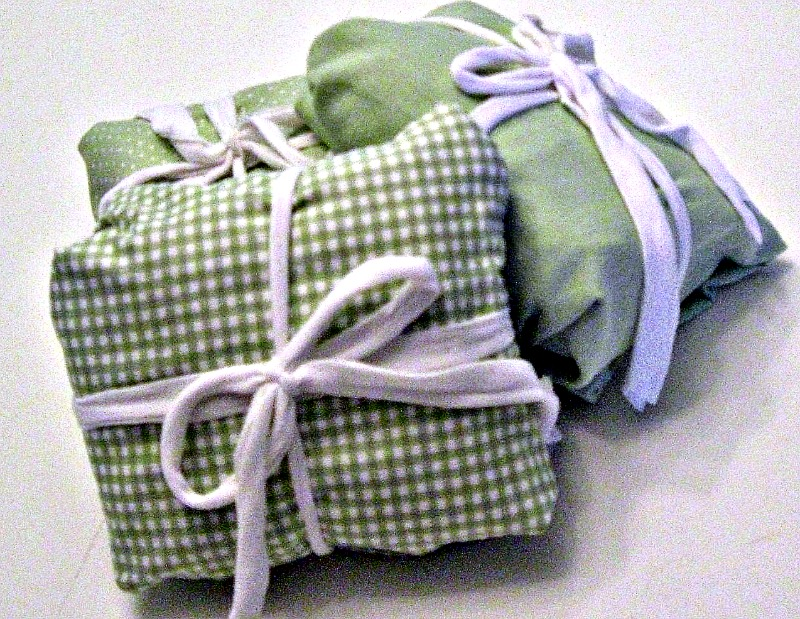 Mommyu0026#39;s Middle Ground: Alternate Gift Wrap