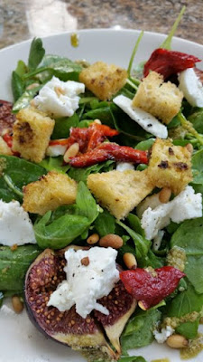 FIG, GOAT'S CHEESE & PEPPER SALAD
