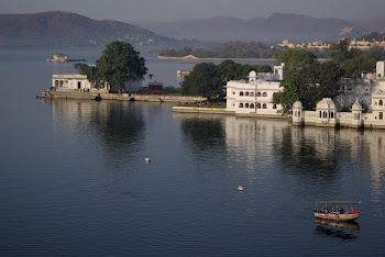 INDIA 2011: Udaipur, rootop terrace view fromt he Jaiwana Haveli Hotel