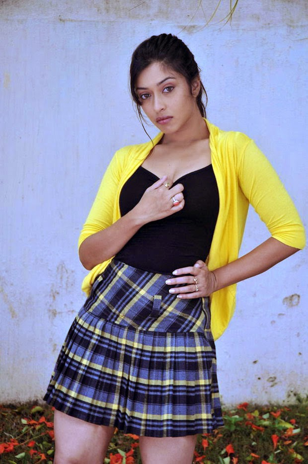 payal ghosh hot pics hd free download wallpapers hot photoshoot in mini skirt big thunder thighs exposed