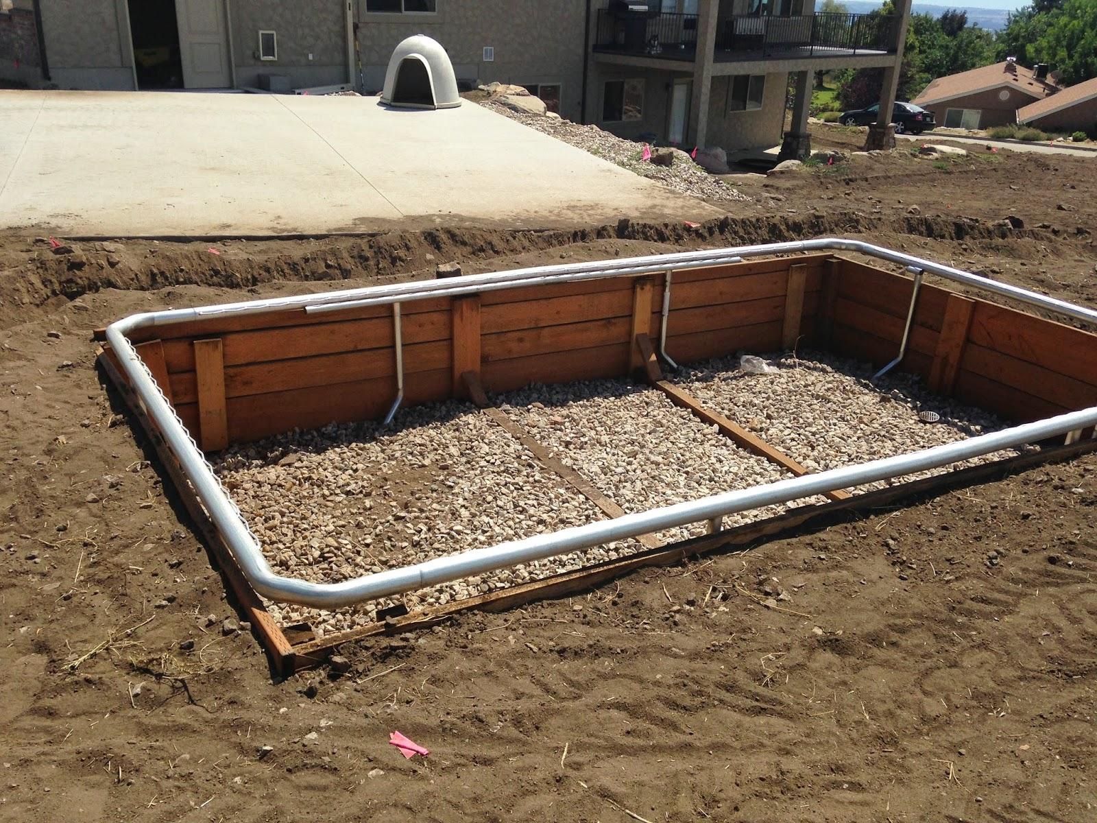 Pics for stucco retaining wall around pool for Repurpose inground swimming pool