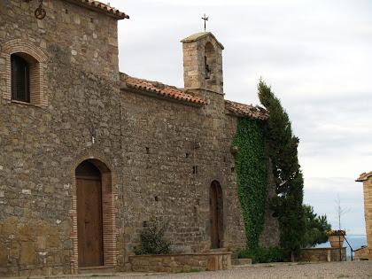 La Mussarra amb l'ermita pre-ròmanica de Sant Pere