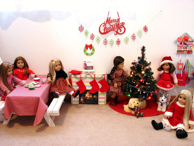 Getting Ready for a Dolly Christmas
