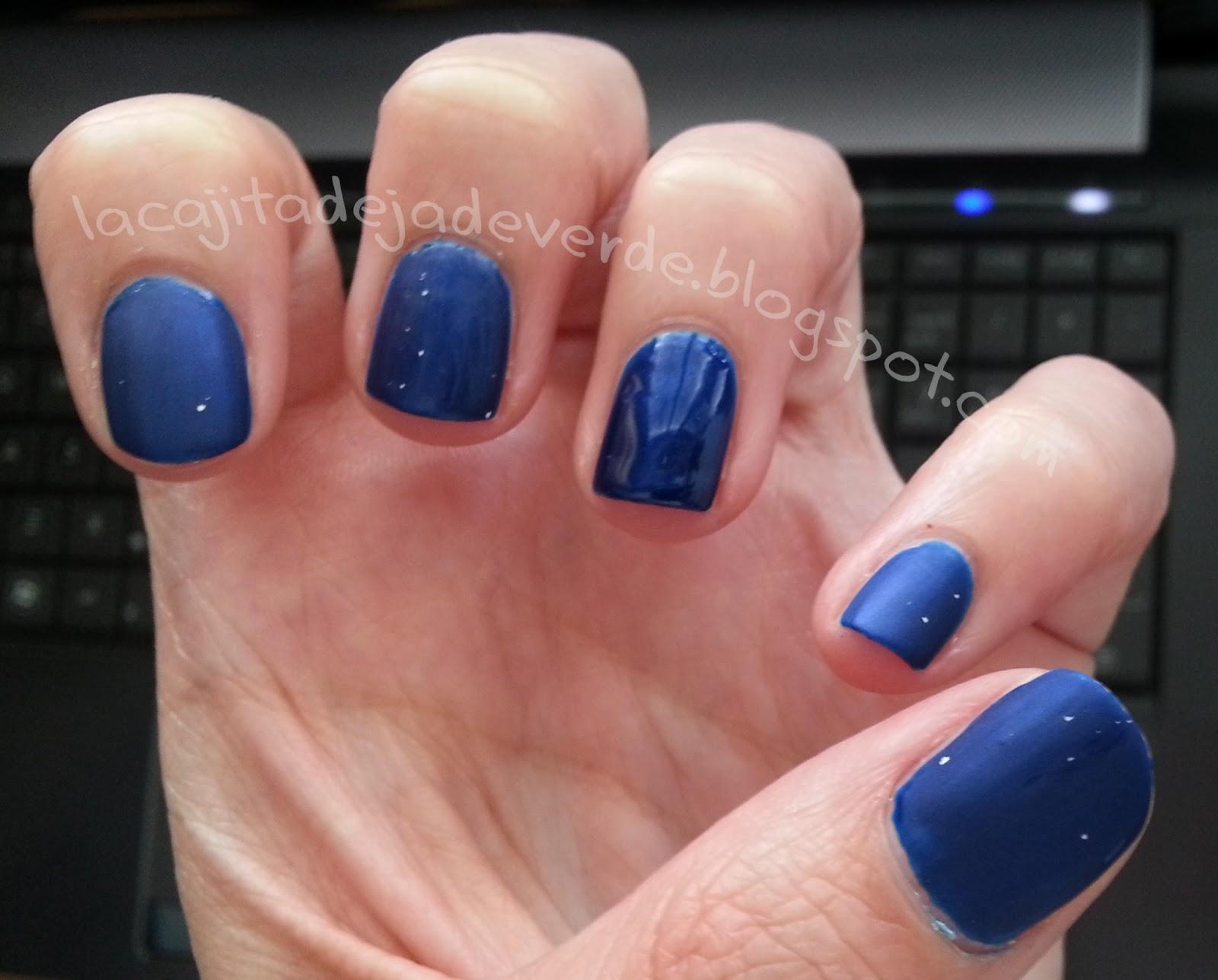 La cajita de Jade verde: Reto 31 manicuras: Azul
