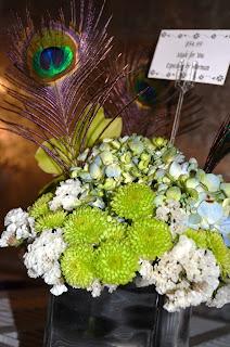 arranjo, branco, verde, pena de pavão, decoração, casamento