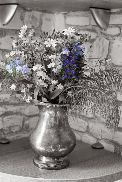 декорирование интерьера букетами из полевых цветов