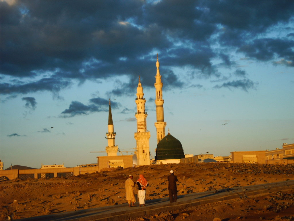 Old Madina City Photos http://cityofmohammad.blogspot.com/2012/03/old-pictures-of-masjid-e-nabvi.html