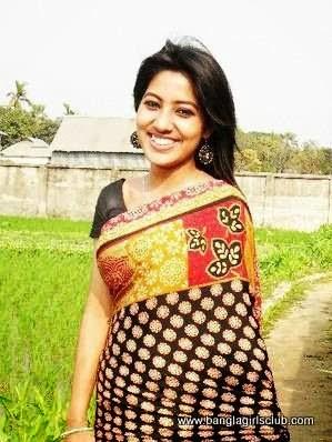 Beautiful+Bangladeshi+Village+Girl+Wearing+Sharee003