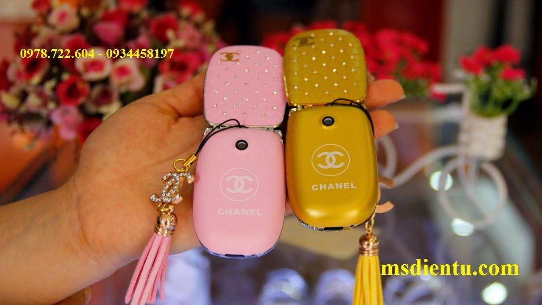 mặt sau điện thoại Chanel W11