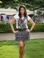 Hari Priya sizzling photo shoot gallery-cover-photo