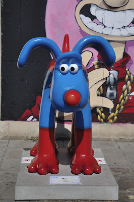 Hero Gromit (front view)