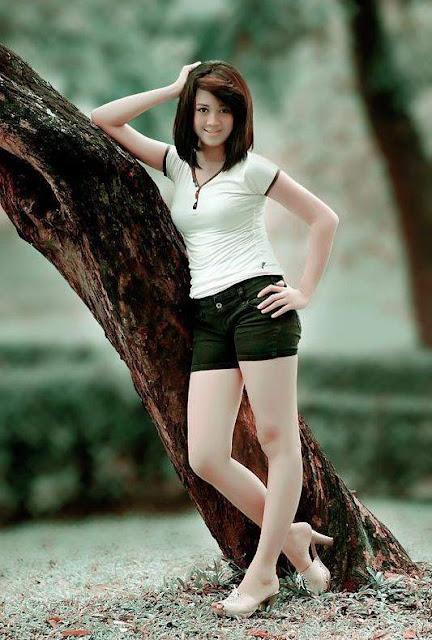 http://4.bp.blogspot.com/-l8xn6MRxqTI/TpQ8SkePPaI/AAAAAAAAPFI/f6YAMTCzj8Q/s1600/%2BWoman%2BFashion%2BWorld%2B09.JPG