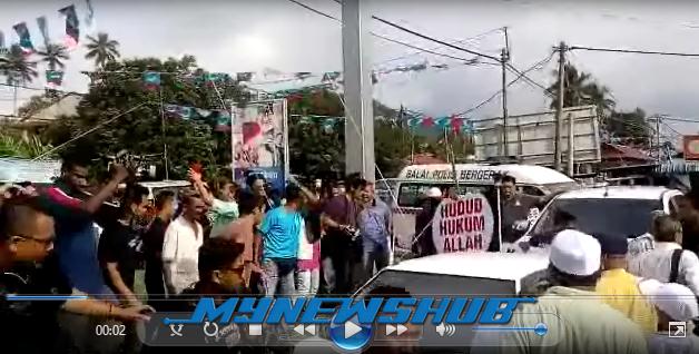 VIDEO Pergaduhan Di Antara PAS Dan PKR Di Permatang Pauh