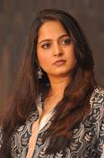 Anushka latest glamorous photos-thumbnail-26