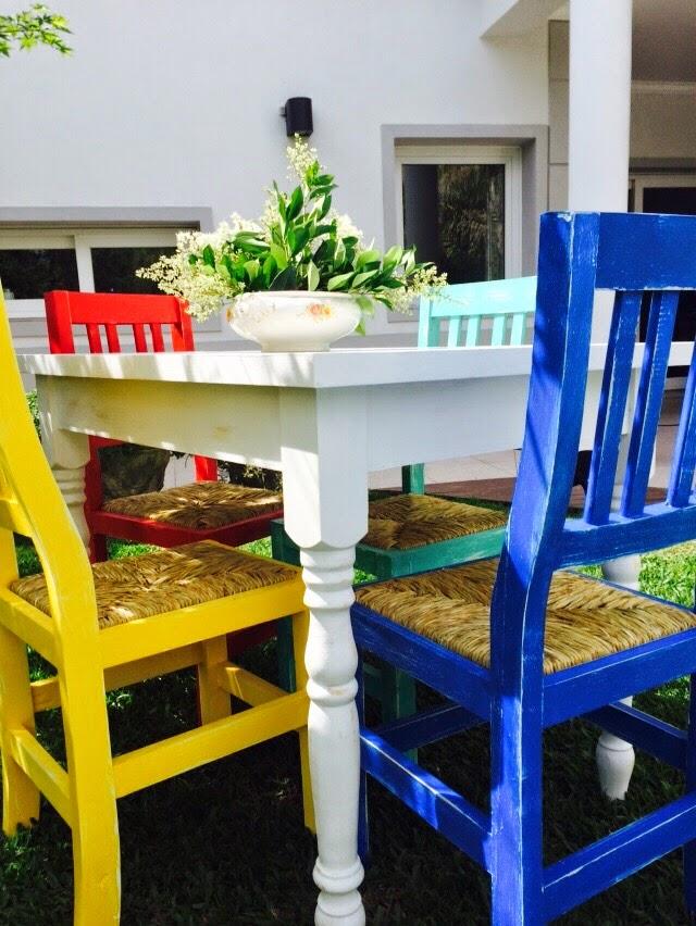 Vintouch muebles reciclados pintados a mano mesa de for Comedor sillas colores