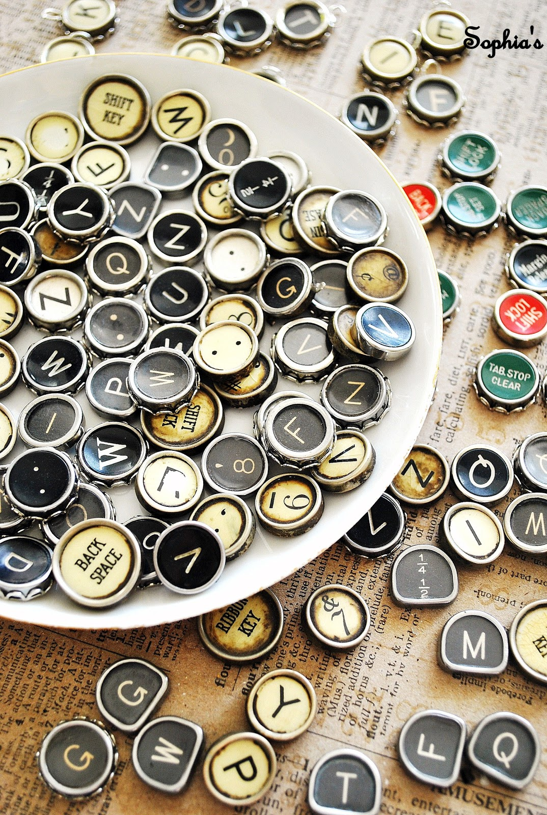 How to Make Typewriter Jewelry