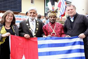 Cerita Dibalik Pembukaan Kantor Free West Papua di Oxford 26 April 2013