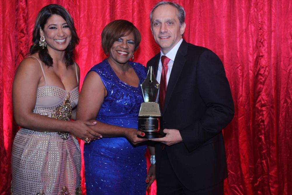 Acroarte celebr� con �xito Premio al M�rito Period�stico 2015 ...