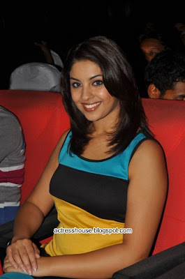 Richa Gangopadhyay latest hot photos
