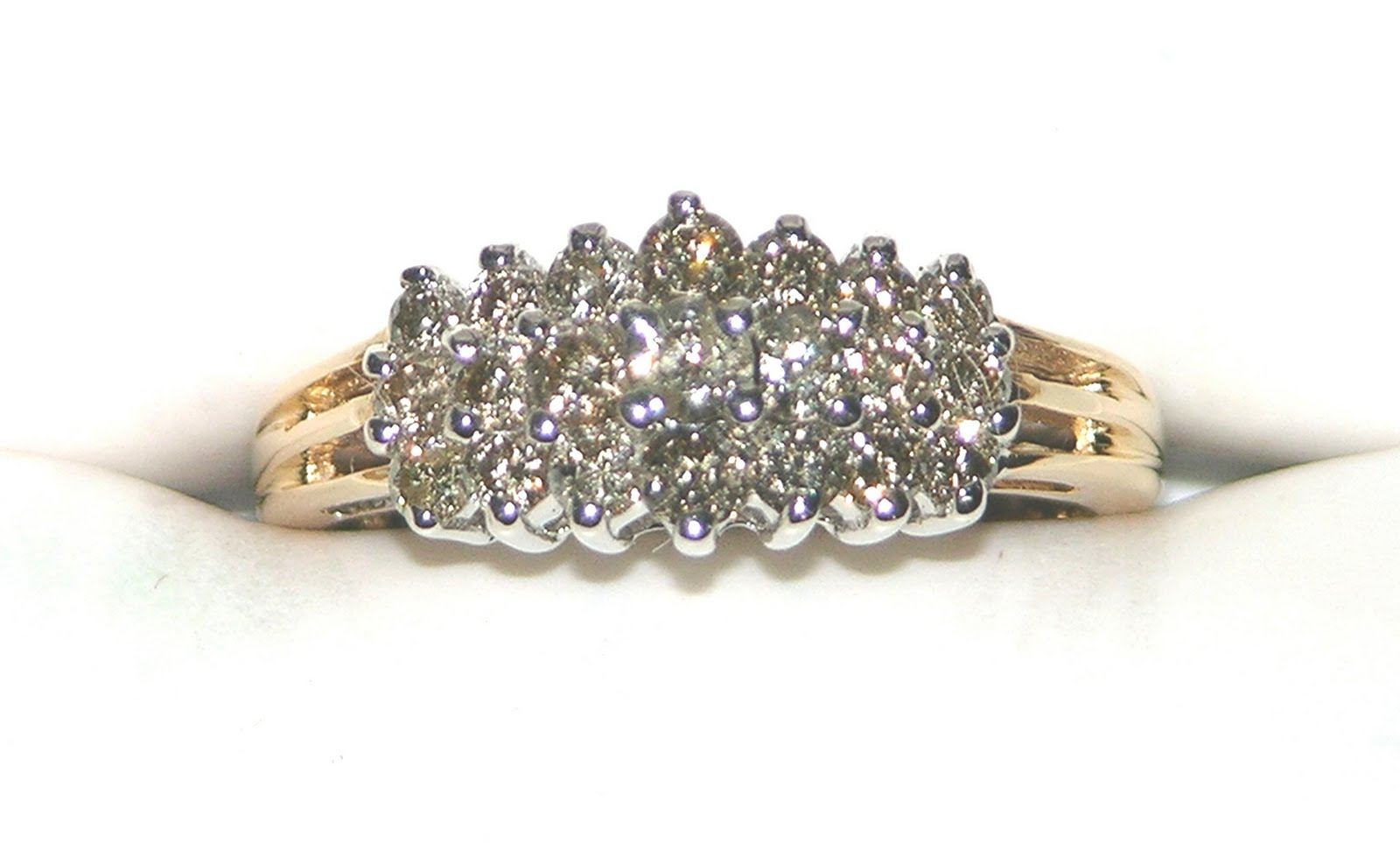 http://4.bp.blogspot.com/-l9kMZGFG1QY/Tbu56J2T3wI/AAAAAAAAAX4/gnhWgokEz8s/s1600/Diamond_Ring_DIR001.jpg