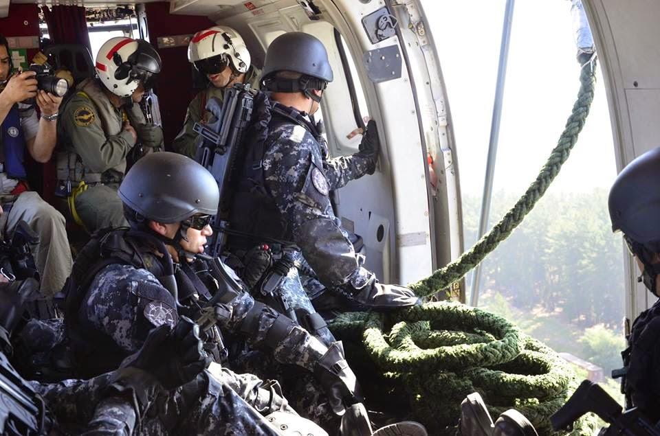http://www.armada.cl/armada/noticias-navales/delegaciones-internacionales-presenciaron-ejercicios-de-la-aviacion-naval/2014-10-23/172548.html
