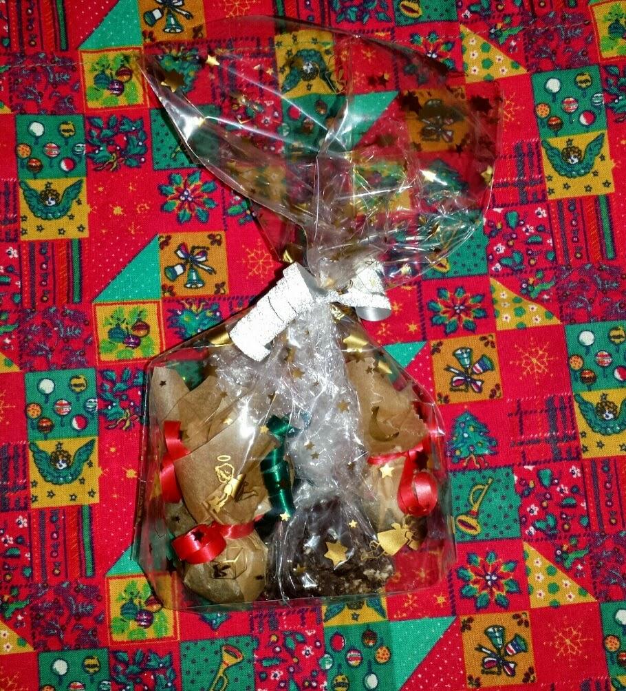 selbstgemachte Rumkugeln, weihnachtliche Schokolade