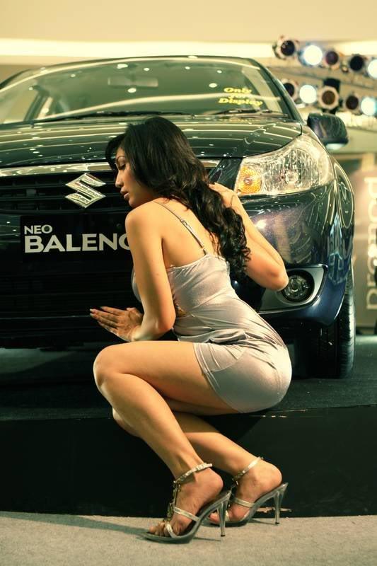 Baby Margaretha, Suzuki Baleno Neo, dziewczyna i samochód, pokaz, modelka