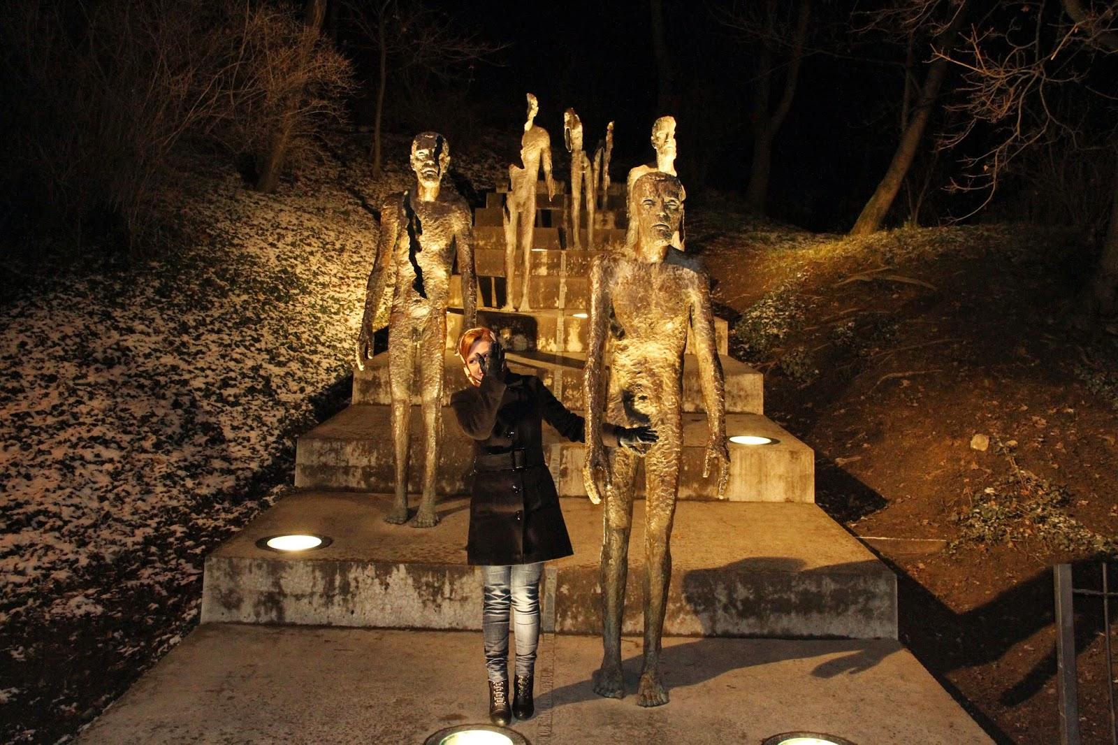 памятник коммунизму в Праге