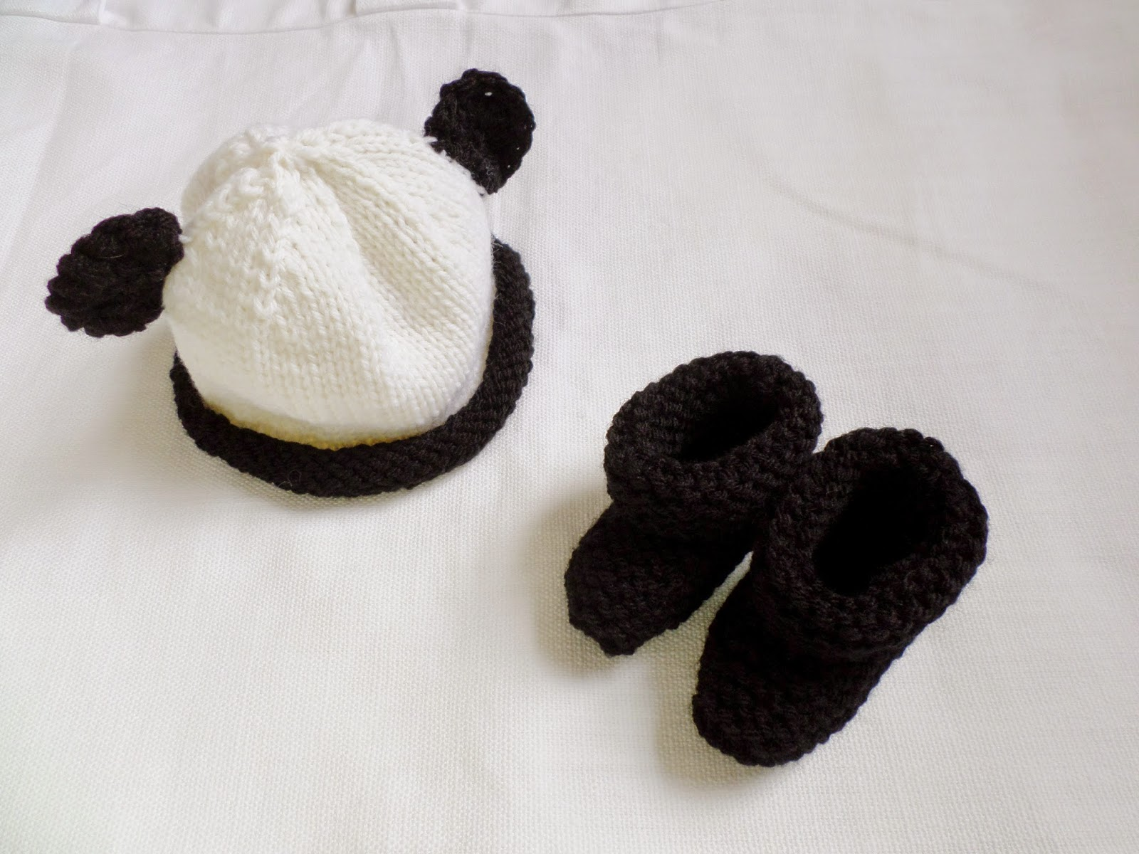 Baby Panda Hat and Booties! | SaltyCrafts