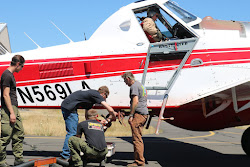 Ground crews train for fast reloading of airtankers