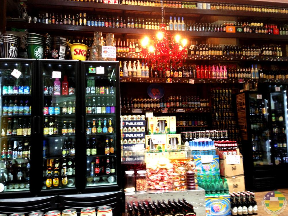 Olhos apenas para as cervejas - AcervA Goiana