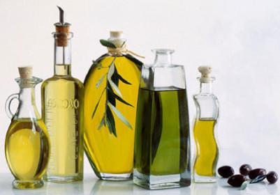 cach-lam-trang-da-mat-voi-dau-olive