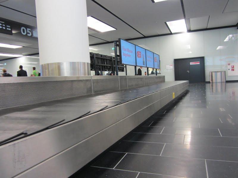 Flughafen Wien Rollband