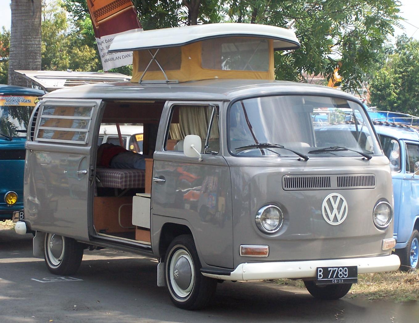 vintage volkswagen indonesia volkswagen type 2 bus transporter kombi early bay window camper. Black Bedroom Furniture Sets. Home Design Ideas