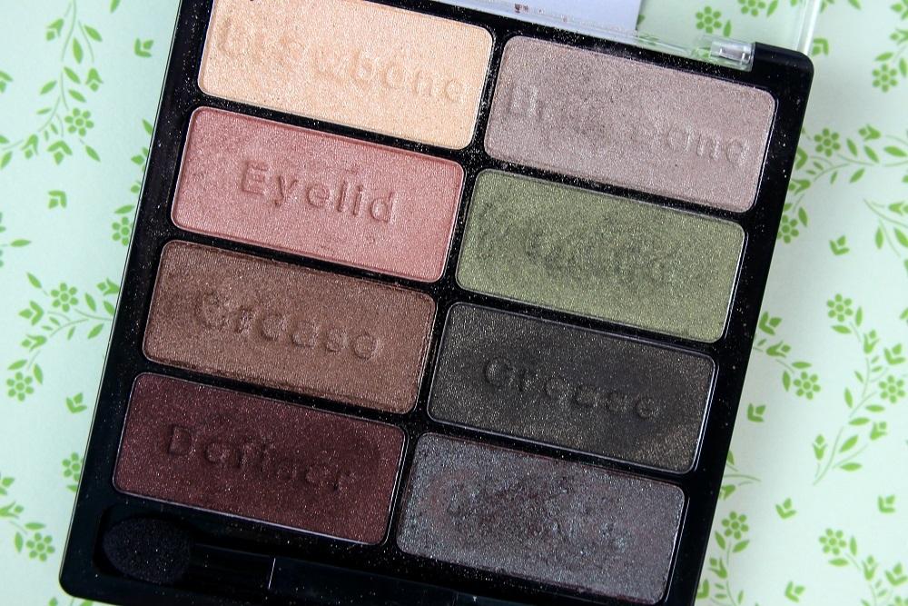 beauty, palette, look, grün, cosmetics, make-up, review, lidschatten, comfort zone, amu, schimmer, wet n wild, tragebilder, comfort zone palette