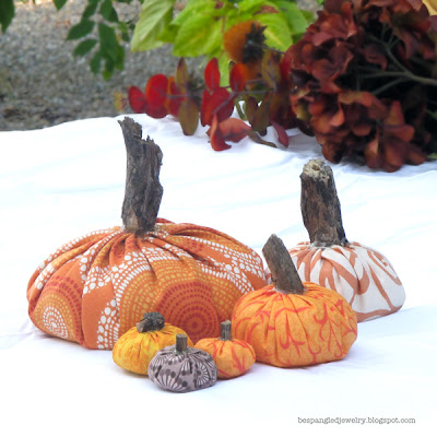 DIY spiced fabric pumpkin fall centerpiece tutorial - simple sewing project by Bespangled Jewelry