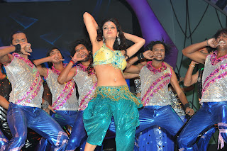 Maryam Zakaria Dance Performance in a spicy Ghagra Choli