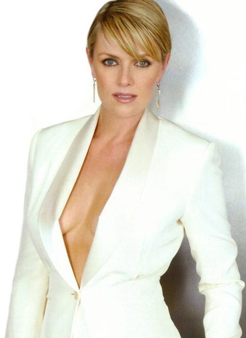canadian actress amanda tapping alias samantha carter
