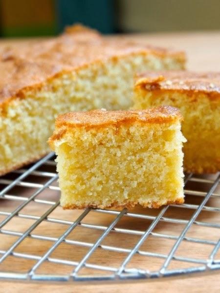 torta alla vaniglia senza latte e burro / vanilla cake without milk and butter