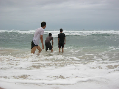 ombak pantai indrayanti